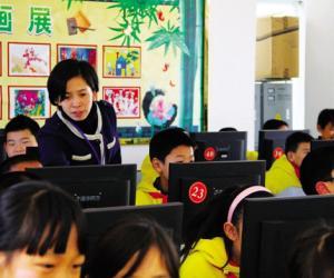 她给了孩子万花筒般的童年——记武汉市井冈山小学中队辅导员田利平