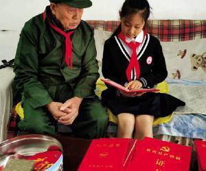"""一家三代忆初心  红色基因代代传 夏明翰小学开展""""百人讲100个红色故事""""活动"""